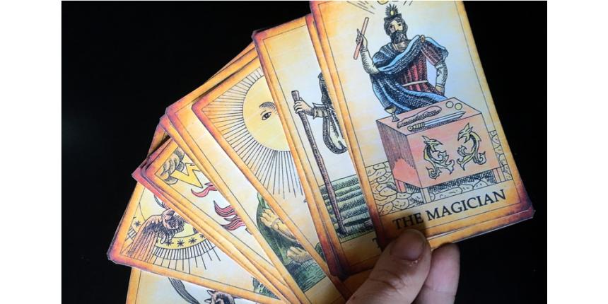Confira o que as cartas do Tarô reservam para o seu signo em 2018