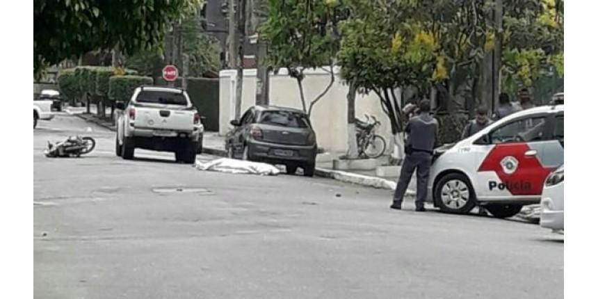 Criminoso é morto a tiros ao tentar assaltar PM aposentado