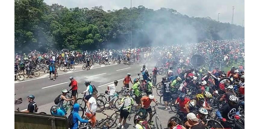 PM impede descida de ciclistas pela Anchieta
