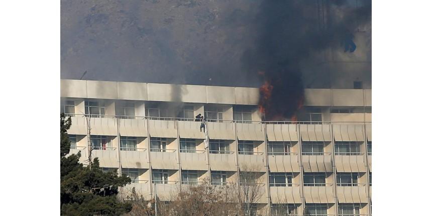 18 mortos em ataque a hotel de luxo em Cabul no Afeganistão