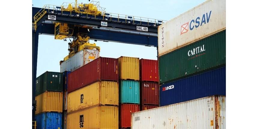 Balança comercial fecha 2017 com maior superávit da história