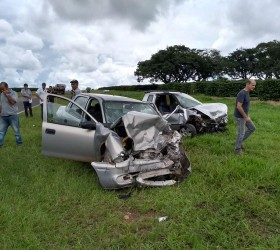 Homem morre ao ter carro atingido por motorista que tentou...