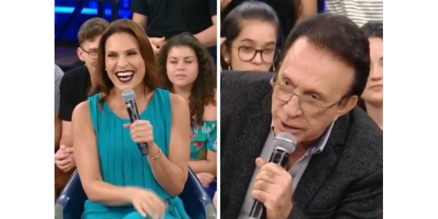 """Moacyr Franco surpreende Laura Muller no """"Altas Horas"""""""