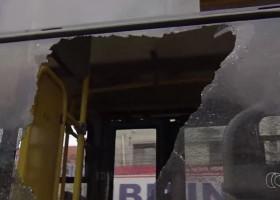 ESPORTE: Torcedor é morto a tiros após atirar contra ônibus que levava...