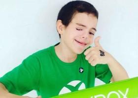 Garoto com malformação facial rara conquista sonho de virar youtuber de games