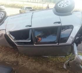 Homem morre após capotar o carro na SP-333 na região...