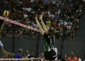 Jogando em Marília, Bauru perde para Sesc/RJ pela Superliga de Volei