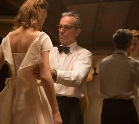 'Trama Fantasma' é a melhor estreia da semana