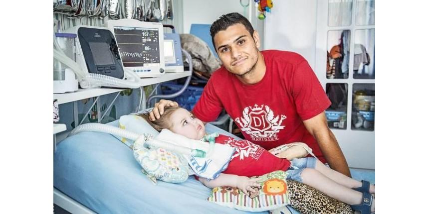 Polícia apreende bens dos pais do bebê Jonatas