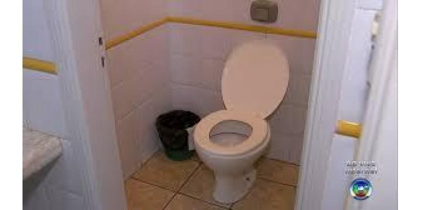 Vereador usa tribuna para pedir que banheiro da Câmara não seja usado para o 'número 2'
