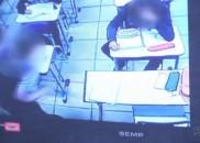 Aluno derruba porta de sala de aula durante briga e...