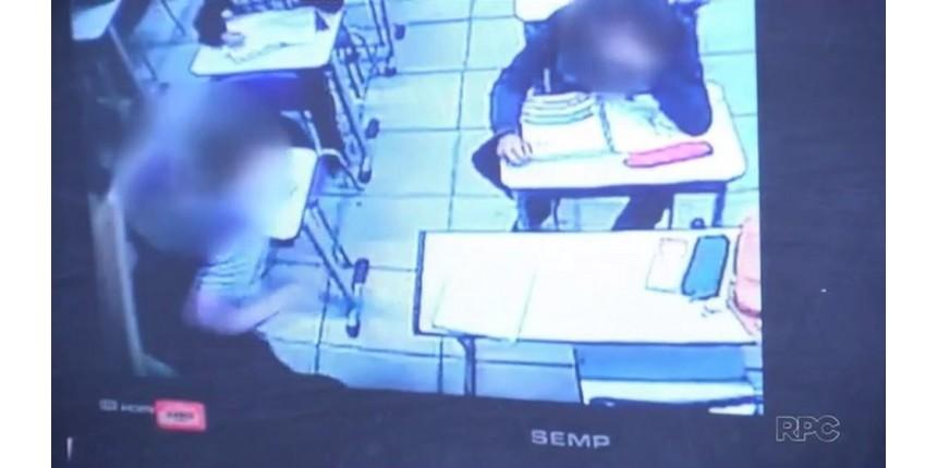 Aluno derruba porta de sala de aula durante briga e deixa professora ferida