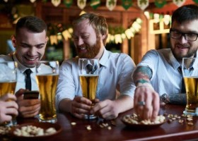 Beber álcool todo dia reduz expectativa de vida, aponta estudo britânico
