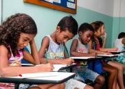 Da Inglaterra, professora cria curso de inglês de graça para...