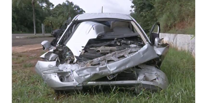 Seis mortos em batida entre carro e caminhão em rodovia eram da mesma família