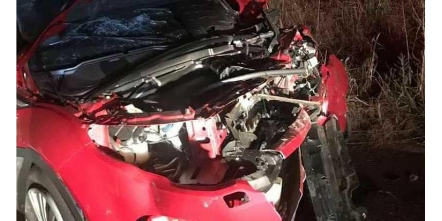 Professora morre em acidente envolvendo três veículos