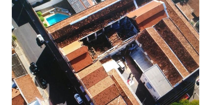 Teto de refeitório de escola infantil desaba e deixa 20 feridos