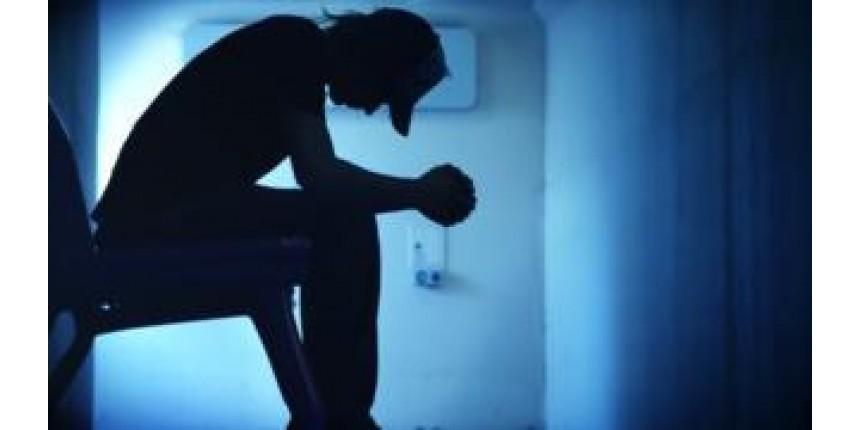 Polícia investiga grupos no Facebook suspeitos de incitar suicídio de jovens no Brasil
