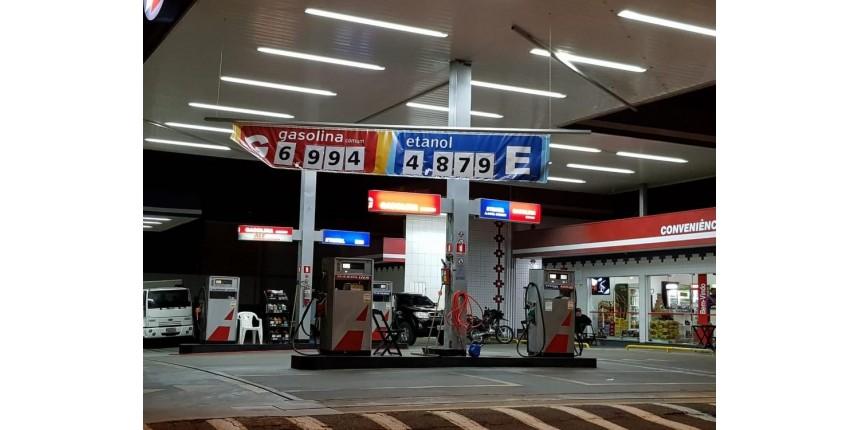 Preço do combustível chega a R$ 6,99 e motoristas fazem fila em postos de Marília