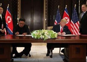 Kim Jong-un se compromete com desnuclearização completa após encontro...