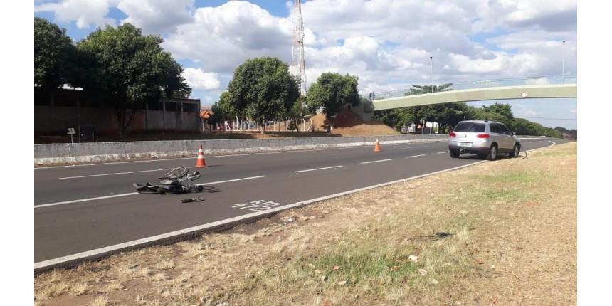 Mãe e filha cadeirante morrem atropeladas tentando atravessar rodovia