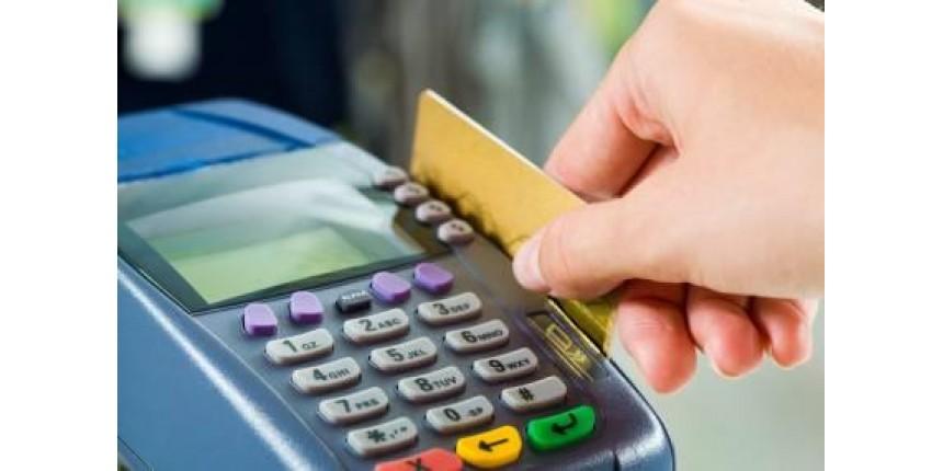 Novas regras do cartão de crédito passam a valer hoje. Veja o que muda
