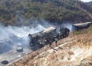Acidente envolvendo carretas, ônibus e carros deixa mortos e feridos...