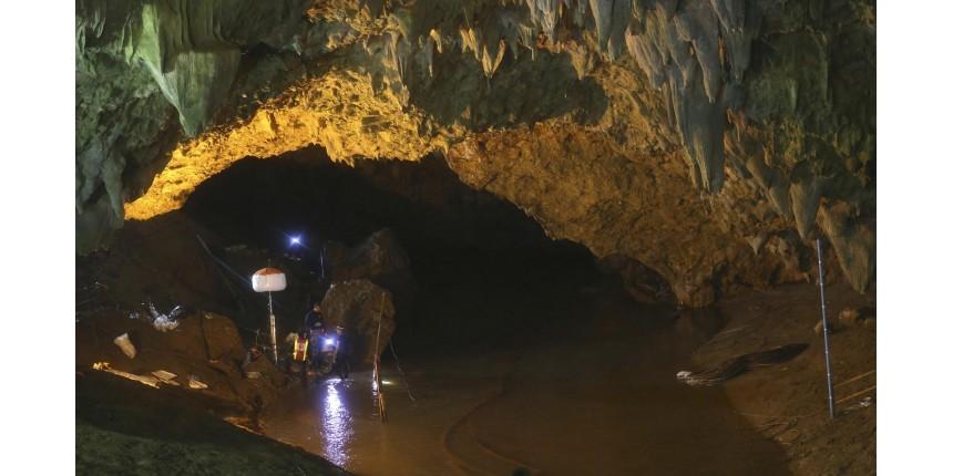 Resgate de jovens em caverna da Tailândia pode levar meses