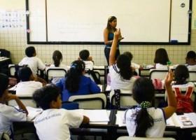 Criança só pode entrar no ensino fundamental se fizer...