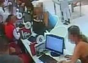 Cliente espanca vendedor ao não conseguir cancelar celular