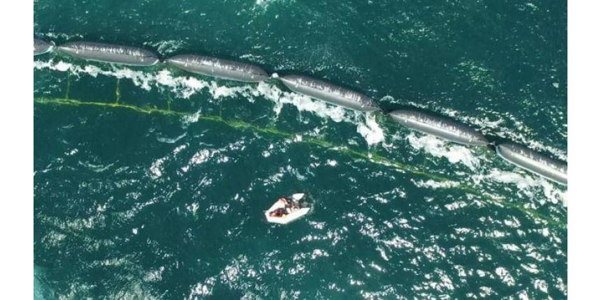Como é a 'serpente gigante' que cientistas querem usar para limpar os oceanos