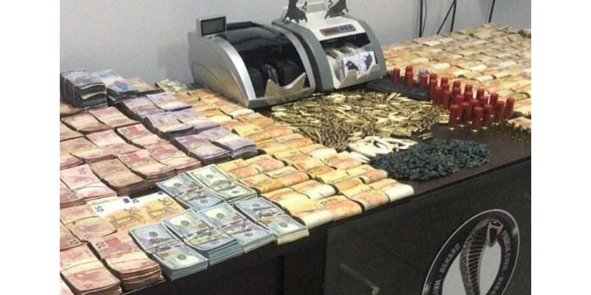 Policiais prendem mulher e apreendem drogas, pedras preciosas e mais de R$ 470 mil