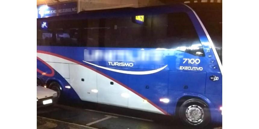 Quadrilha armada ataca ônibus de sacoleiros em Vera Cruz e prende vítimas no bagageiro