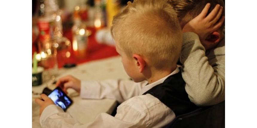 Será que meu filho está viciado na internet?