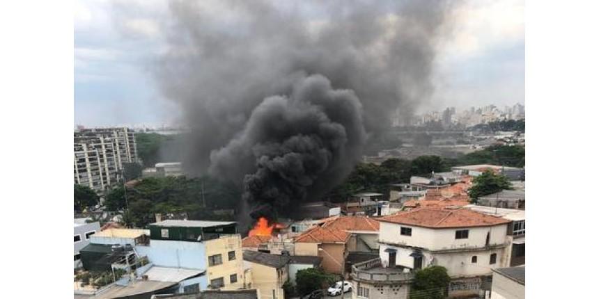 Aeronave cai na zona norte de São Paulo