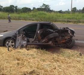 Colisão entre dois veículos deixa 1 morto e 5 feridos