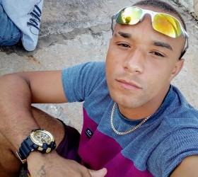 Homem morto em troca de tiros com a polícia em...