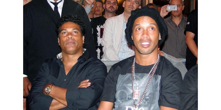 Justiça determina apreensão dos passaportes de Ronaldinho Gaúcho e seu irmão Assis