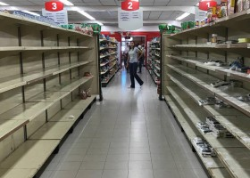 Na Venezuela, grupos criminosos usam comida para recrutar crianças,...