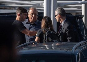 Três meses antes de prisão, Pezão chamou delação de Carlos Miranda de...