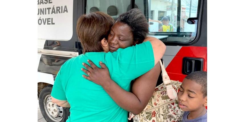 Às vésperas de Natal 'magro', mãe de sete filhos encontra carteira com R$ 500 e devolve para a dona