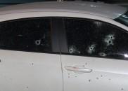 Empresário tem carro fuzilado em arrastão