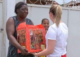 Mãe de sete filhos recebe doações após devolver carteira com R$ 500...