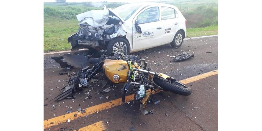 Motociclista morre ao bater de frente com carro da Secretaria de Saúde de Platina