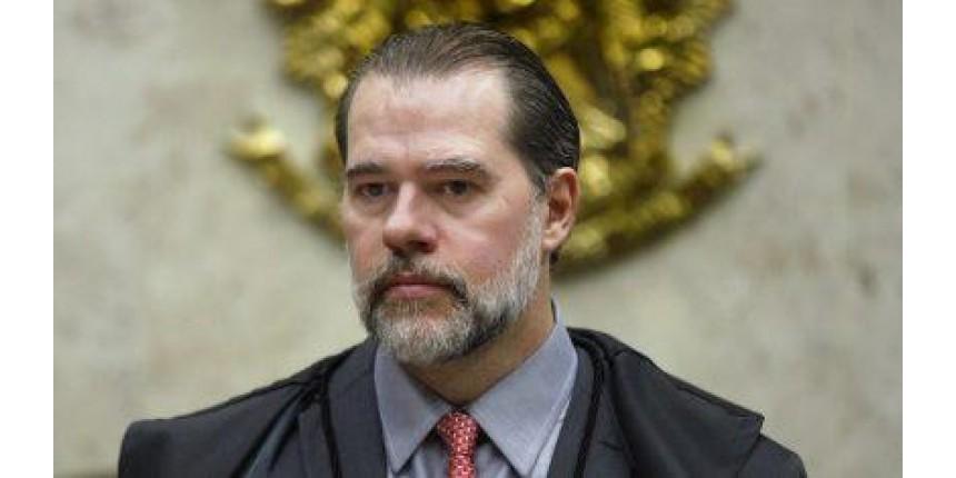 Toffoli derruba decisão de Marco Aurélio que abria caminho para soltar Lula