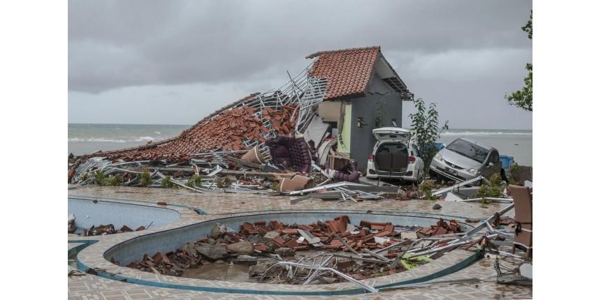 Tsunami deixa mais de 280 mortos e 1.000 feridos na Indonésia