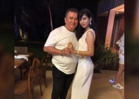 Aos 67 anos, Amado Batista assume namoro com jovem de 19 anos