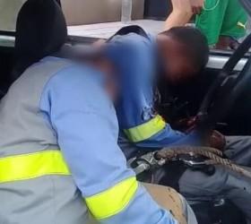 Dois homens são mortos após cortarem energia elétrica