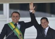 Mourão assume a Presidência do Brasil até Bolsonaro voltar de...