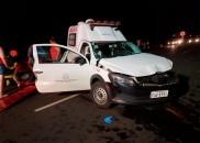 Acidente entre ambulância e caminhonete um morto e quatro feridos...